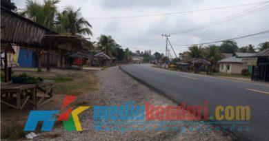 Proyek Pengaspalan di Jalan Poros Kendari, Wonggeduku, Wawotobi