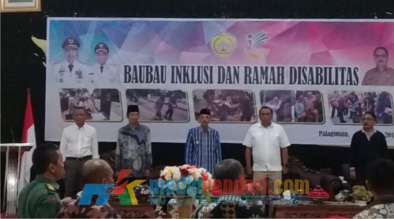 Wali Kota dan Wakil Wali Kota Baubau saat membuka acara peringatan Hari Disabilitas