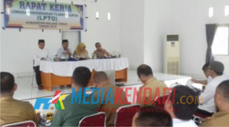 Rapat STQH tingkat Kabupaten Koltim di Aula Desa Lalingato. (Foto : Jaspin/Mediakendari.com)