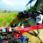 Ratusan Peserta Tournamen Trail Ojek Petani Berebut Handtraktor