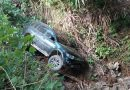 Jalan Licin, Mobil Lurah Teomokole Terjun Bebas di Jurang