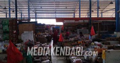 "Pasar Sentral Tadoha Mapaccing Sepi, Pedagang Keluhkan Pasar ""Siluman"" di Jalan Poros Lauru"