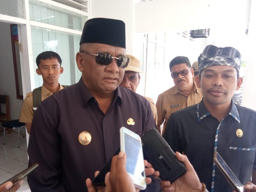 Bupati Buteng Samahuddin dan Ketua DPRD Bobi Ertanto ketika diwawancarwi, Senin 16 Maret 2020. Foto: Syaud Alfaisal/Mediakendari.com