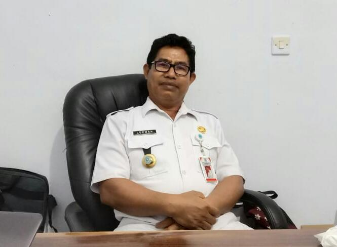 Lukman, Kepala Dinas Pendapatan Daerah Buteng, saat dikonfirmasi langsung diruangannya, Rabu (11/3/2020). Foto: Syaud Al Faisal/Mediakendari.com