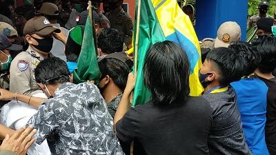 Demonstrasi Kolaka Utara
