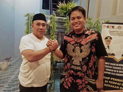 Ketua DPD Partai Gelora Ahmad Baso (kanan) dan Rusmin Abdul Gani (Kiri)