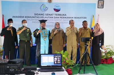 Foto bersama usai Wisuda Taruna AKKP Wakatobi