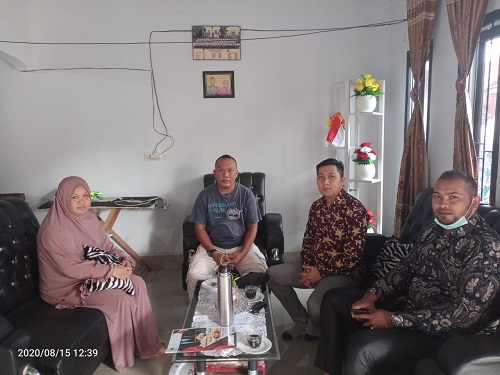 Kakak kandung pelaku pembunuhan di Kendari,Rini Primayanti