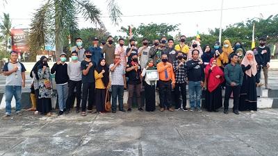 Foto bersama para peserta sosialisasi